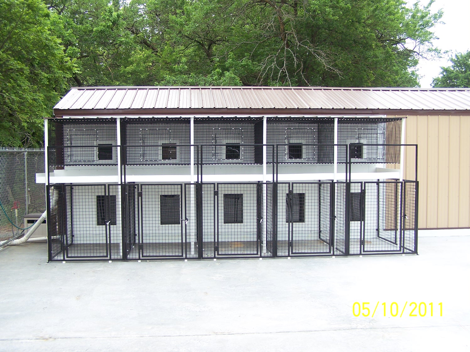 D and d kennel buildings and kennel supplies for Building dog kennels for breeding